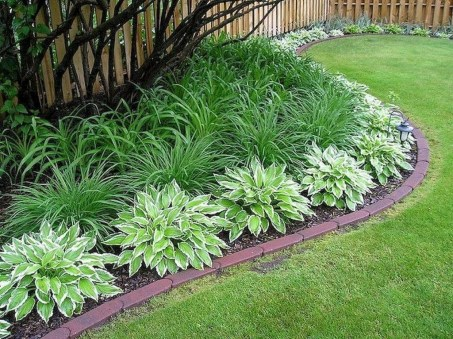 Newest Front Yard Landscaping Design Ideas To Try Now 33