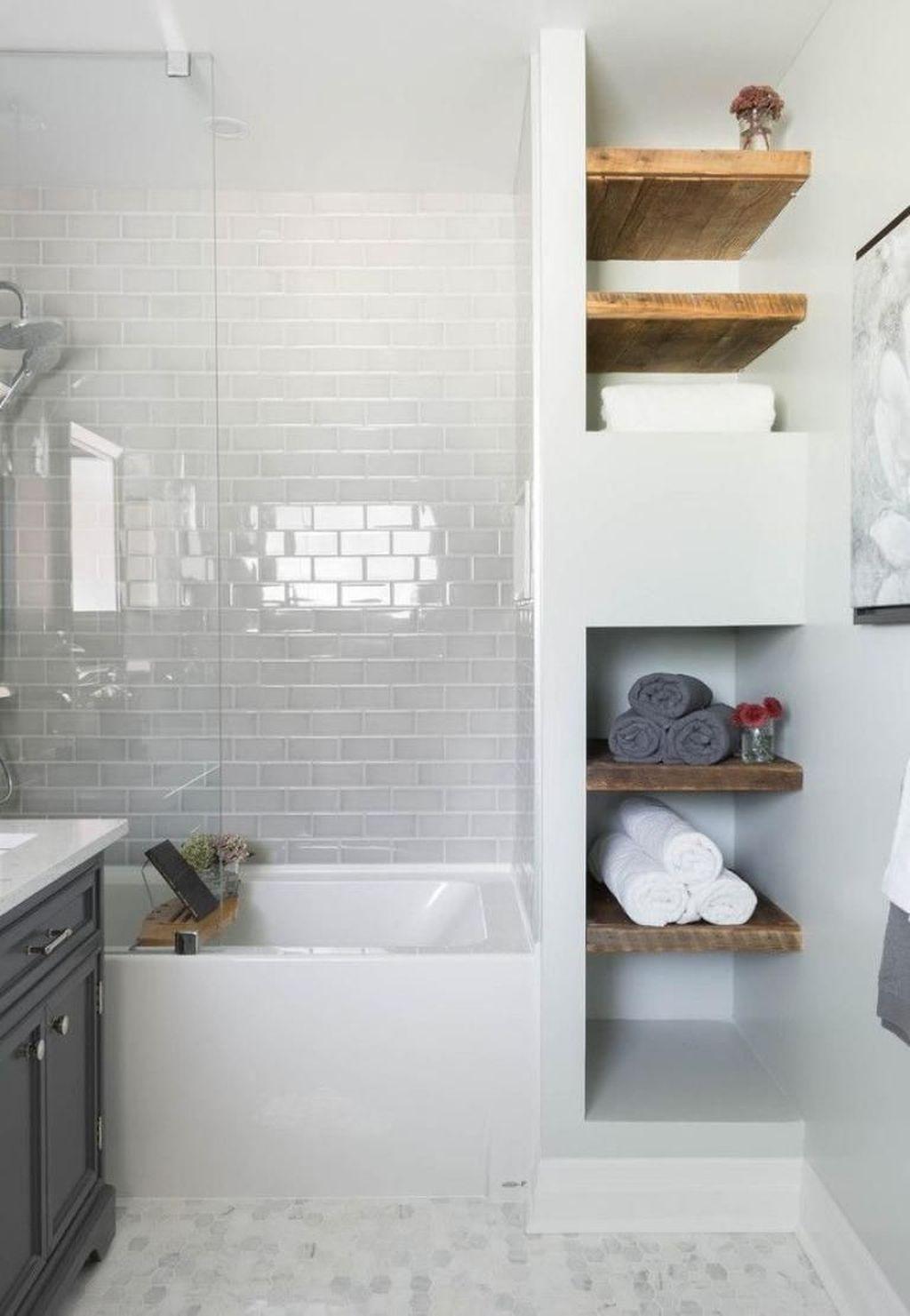Splendid Small Bathroom Remodel Ideas For You 34