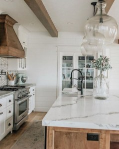 Unusual White Kitchen Design Ideas To Try 19