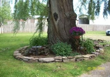 Adorable Flower Beds Ideas Around Trees To Beautify Your Yard 02