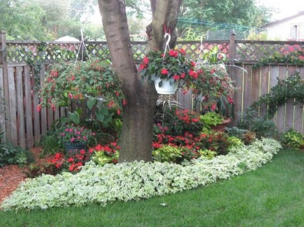 Adorable Flower Beds Ideas Around Trees To Beautify Your Yard 05