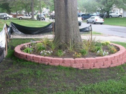 Adorable Flower Beds Ideas Around Trees To Beautify Your Yard 45