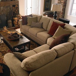 Attractive Small Living Room Decor Ideas With Perfect Lighting 15