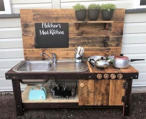 Casual Diy Pallet Furniture Ideas You Can Build By Yourself 35
