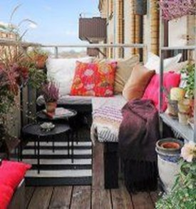 Casual Small Balcony Design Ideas For Spring This Season 04