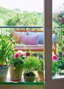 Casual Small Balcony Design Ideas For Spring This Season 29