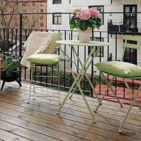Casual Small Balcony Design Ideas For Spring This Season 40