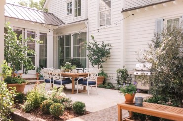 Classy Backyard Makeovers Ideas On A Budget To Try 20