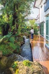 Elegant Backyard Patio Design Ideas For Your Garden 21