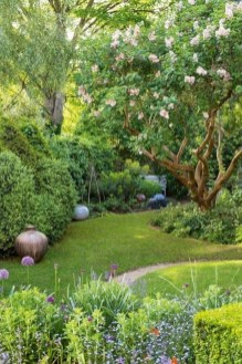 Gorgeous Backyard Landscaping Ideas For Your Dream House 32