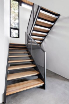Gorgeous Wooden Staircase Design Ideas For Branching Out 16