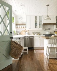Latest Farmhouse Kitchen Décor Ideas On A Budget 14