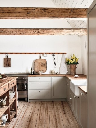 Latest Farmhouse Kitchen Décor Ideas On A Budget 26