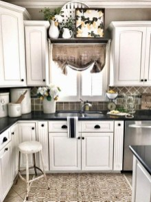 Latest Farmhouse Kitchen Décor Ideas On A Budget 36