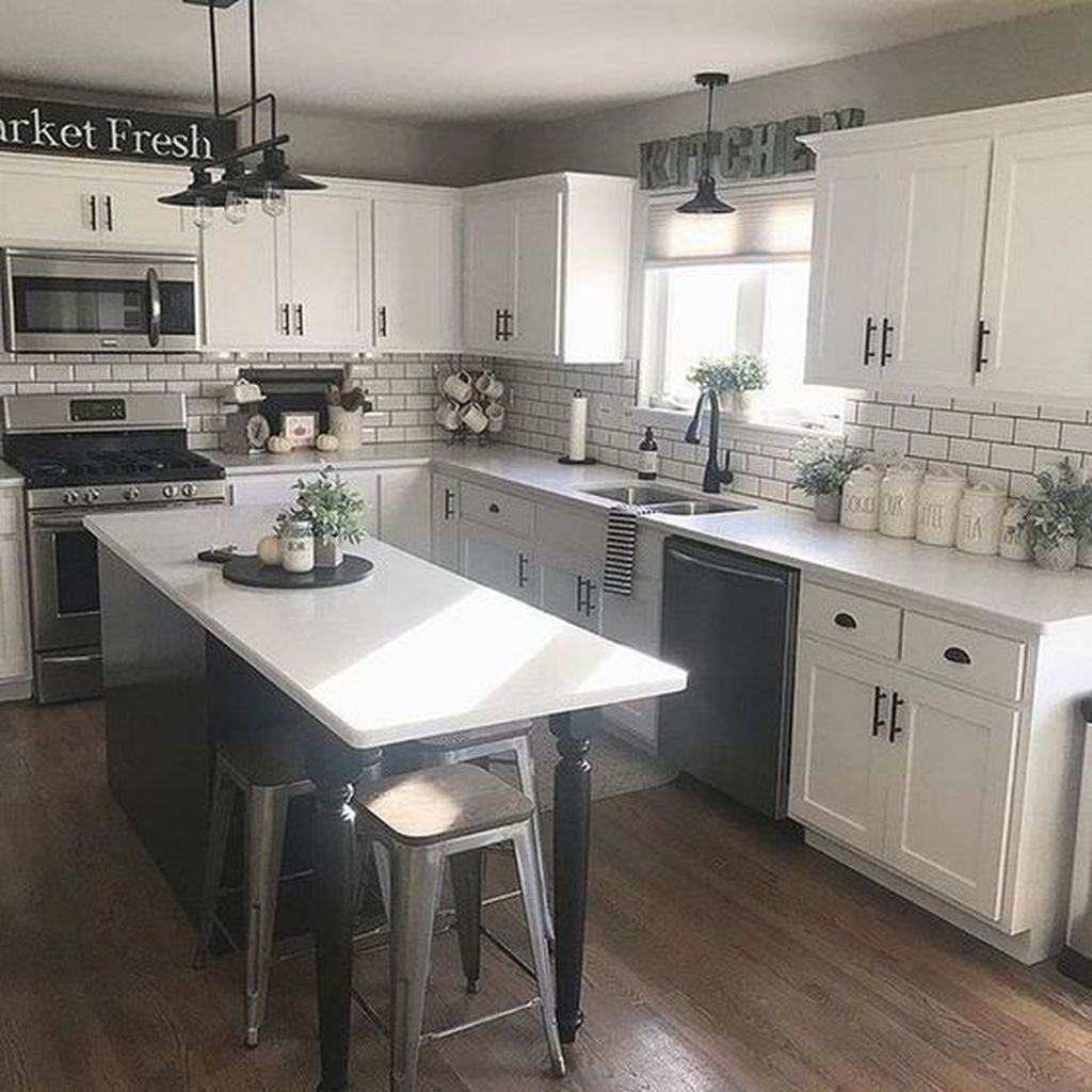 30+ Latest Farmhouse Kitchen Décor Ideas On A Budget