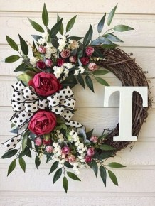 Newest Front Door Wreath Decor Ideas For Summer 29