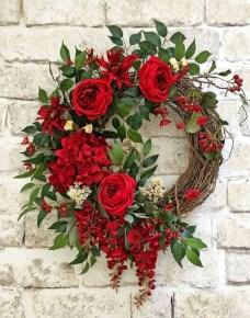Newest Front Door Wreath Decor Ideas For Summer 32