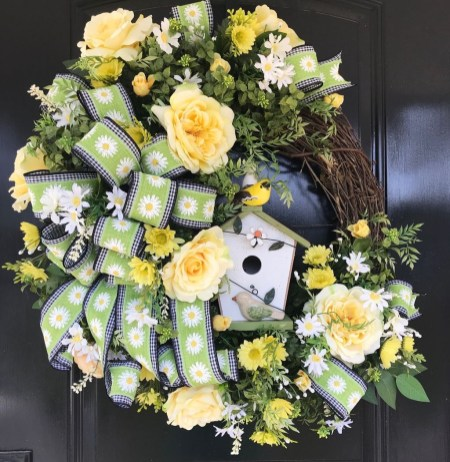 Newest Front Door Wreath Decor Ideas For Summer 38