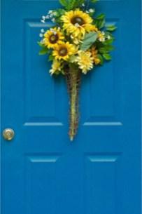 Newest Front Door Wreath Decor Ideas For Summer 50