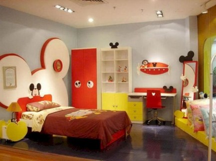 Adorable Disney Room Design Ideas For Your Childrens Room 32