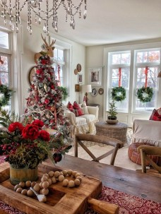 Best Christmas Home Decor Ideas To Try Asap 11
