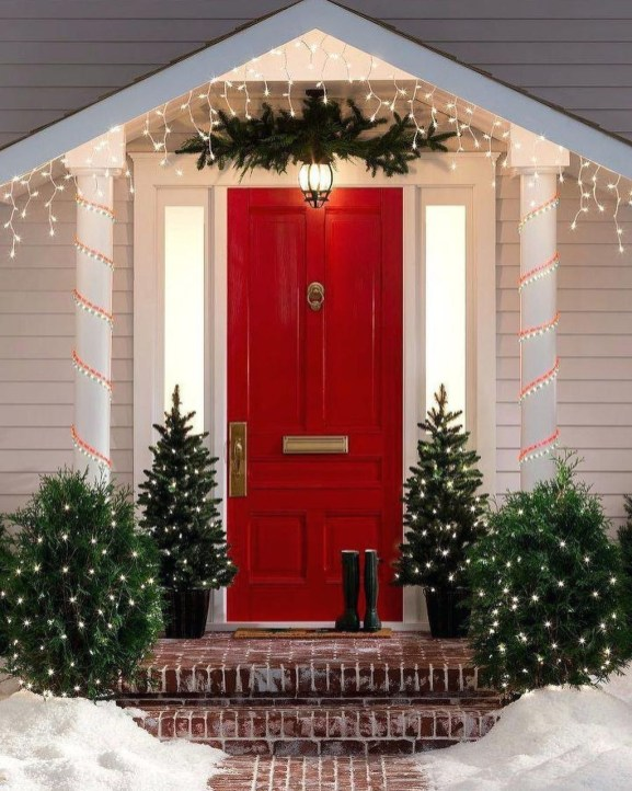 Charming Outdoor Décor Ideas For Christmas To Try 49
