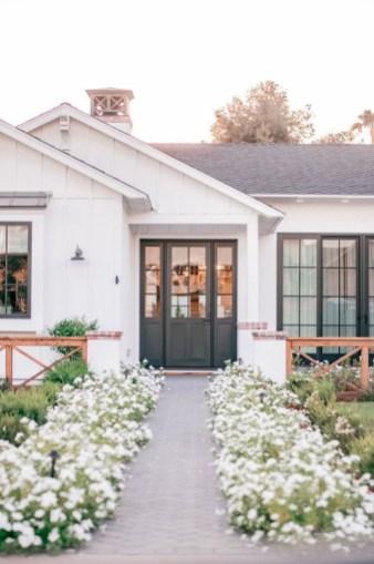 Comfy Porch Design Ideas To Try 45