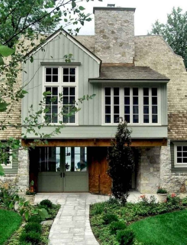 Cute Farmhouse Exterior Design Ideas That Inspire You 12