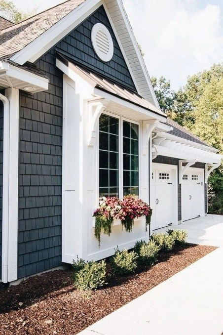 Cute Farmhouse Exterior Design Ideas That Inspire You 22