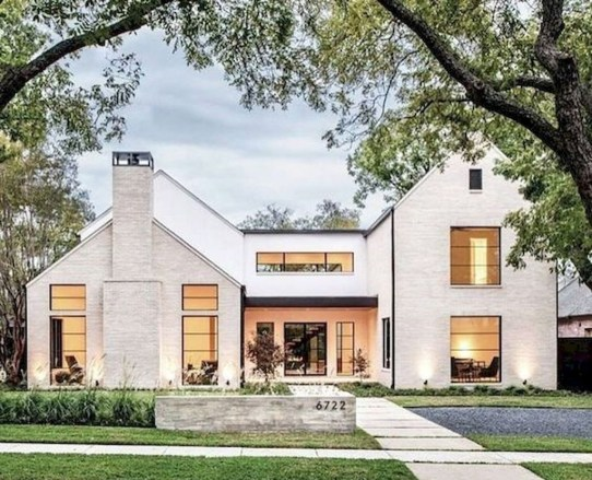 Cute Farmhouse Exterior Design Ideas That Inspire You 43