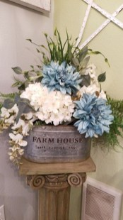 Impressive Farmhouse Decor Ideas That Suitable For Summer 34