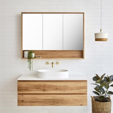 Wonderful Single Vanity Bathroom Design Ideas To Try 23