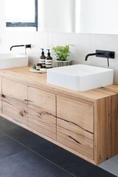 Wonderful Single Vanity Bathroom Design Ideas To Try 37