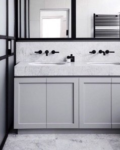 Wonderful Single Vanity Bathroom Design Ideas To Try 42