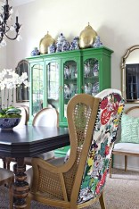 Gorgeous Dining Room Hutch Décor Ideas15
