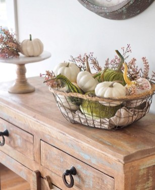 Adorable Fall Home Decor Ideas With Farmhouse Style15