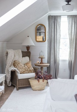 Adorable Fall Home Decor Ideas With Farmhouse Style16