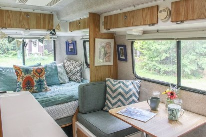 Adorable Vintage Travel Trailers Remodel Ideas16