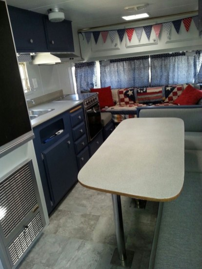 Adorable Vintage Travel Trailers Remodel Ideas35