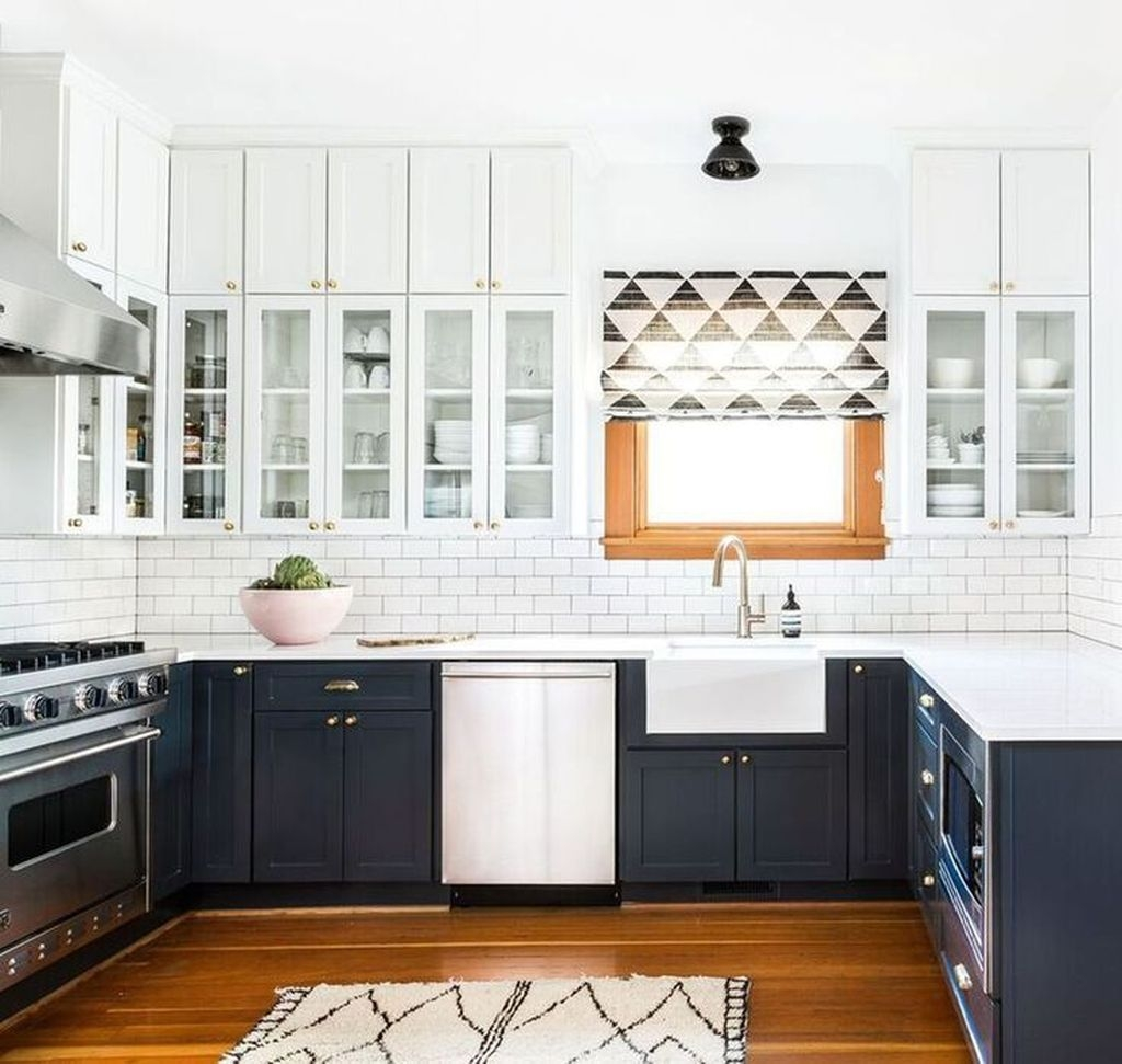 Affordable Black And White Kitchen Cabinets Ideas01