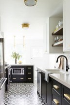 Affordable Black And White Kitchen Cabinets Ideas25