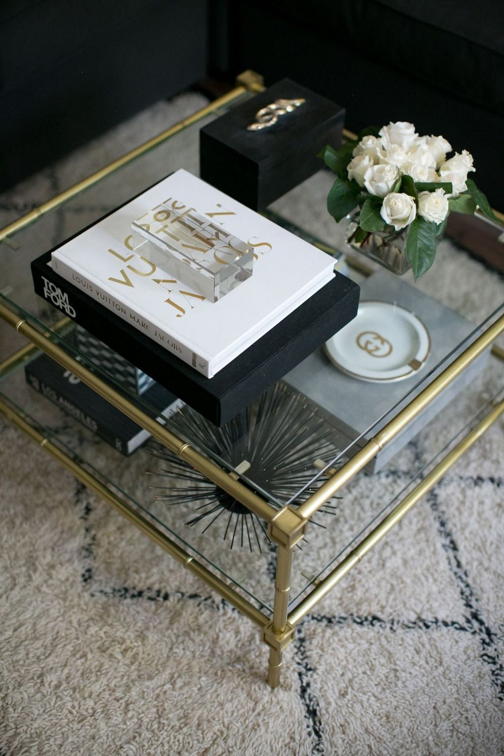 Awesome Glass Coffee Tables Ideas For Small Living Room Design26
