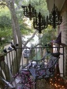 Creative And Simple Fall Balcony Décor Ideas For Small Apartment06