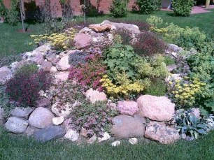 Creative Rock Garden Ideas For Your Backyard28
