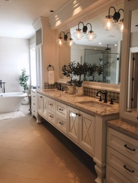 Modern Farmhouse Design For Bathroom Remodel Ideas27