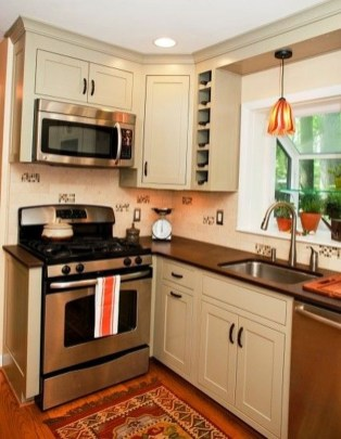 Awesome Small Kitchen Remodel Ideas35