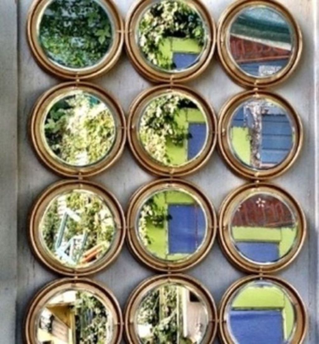 Best Ways To Decorate Your Circle Mirror With Garland25