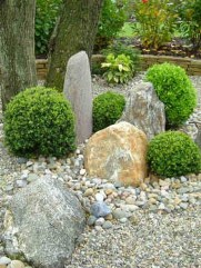 Cool Front Yard Rock Garden Ideas03
