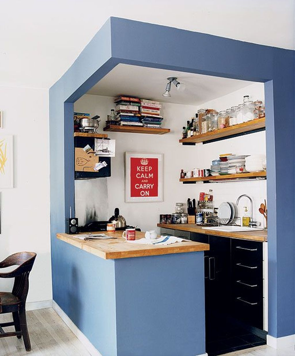 Cool Small Apartment Kitchen Ideas18