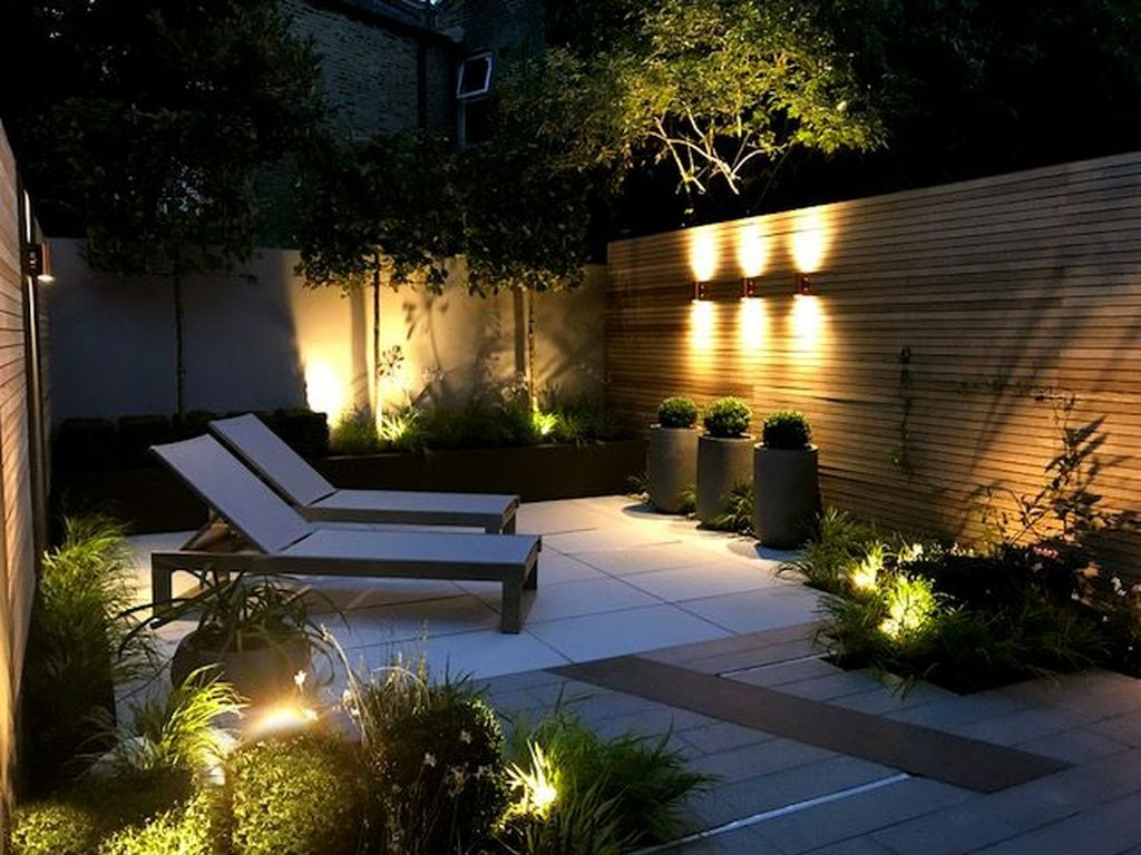 Luxurious Backyard Lighting Ideas28
